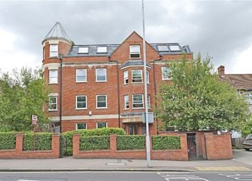 Thumbnail 2 bed flat to rent in Kirkdale, London