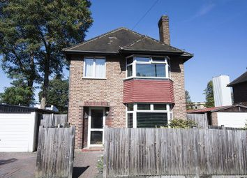 Thumbnail 3 bed detached house for sale in Cleveland Close, Walton-On-Thames