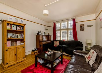 Thumbnail 2 bed flat to rent in Hazelbourne Road, Clapham South