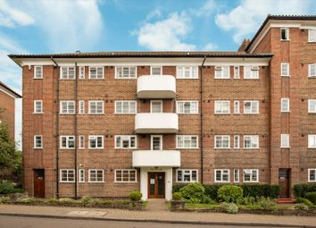 Norfolk House, Courtlands, Sheen Road, Richmond TW10. 2 bed flat for sale