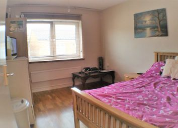 Thumbnail 1 bedroom flat for sale in Howards Road, London, Greater London
