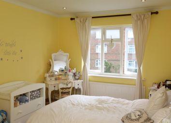 Thumbnail 2 bedroom flat to rent in Daniel Way, Lambert Road, Banstead