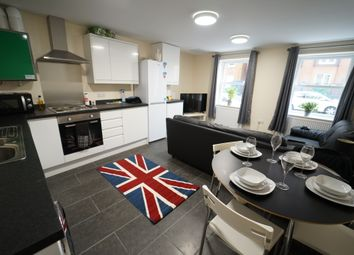 Thumbnail 3 bed flat to rent in North Sherwood Street, Nottingham
