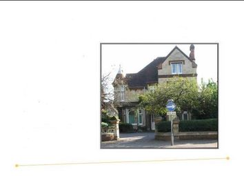 Thumbnail 4 bed flat to rent in London Road, Reading