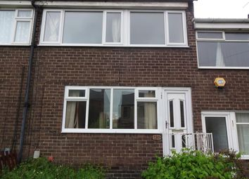 3 bed terraced house to rent in Slaithwaite Road, Dewsbury WF12