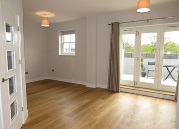 Thumbnail 2 bedroom penthouse to rent in Avenue Road, Leamington Spa