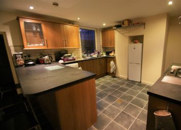 Thumbnail 6 bed terraced house to rent in Chestnut Avenue, Hyde Park, Leeds