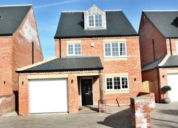 Thumbnail 5 bed detached house to rent in Houndhill Lane, Featherstone, Pontefract