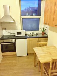 Thumbnail Studio to rent in West Green Road, London