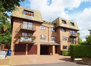 Thumbnail 1 bedroom flat for sale in Woodlands, Golders Green, London