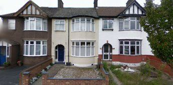 Thumbnail 3 bed flat to rent in Flora Gardens, Romford