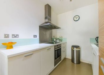 2 bed maisonette to rent in Annandale Road, Greenwich, London SE10