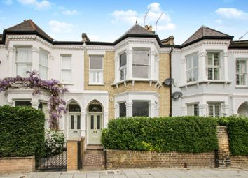 Thumbnail 3 bed flat for sale in Elms Crescent, Clapham