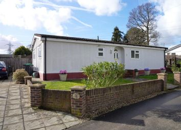 2 bed mobile/park home for sale in Riverhill, Worcester Park, Surrey. KT4