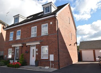 Popert Drive, Worcester, Worcestershire WR5. 3 bed semi-detached house