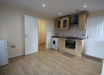 Thumbnail 1 bed flat to rent in Marlow Road, High Wycombe