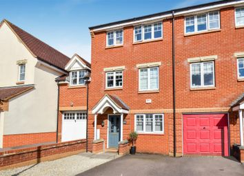 3 bed town house for sale in Cranesbill Drive, Bicester OX26
