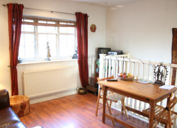 2 bed maisonette to rent in Neale Close, Hampstead Garden Suburb N2