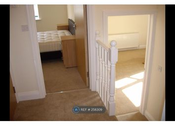 Thumbnail 1 bed flat to rent in Berkeley Avenue, Reading