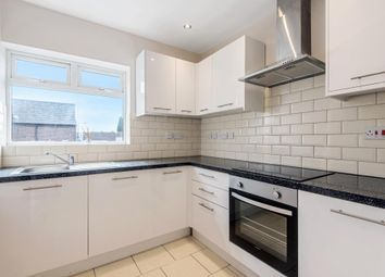 Thumbnail 1 bed flat to rent in Broad Street, Chesham