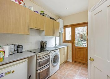 4 bed terraced house to rent in Chasefield Road, London SW17