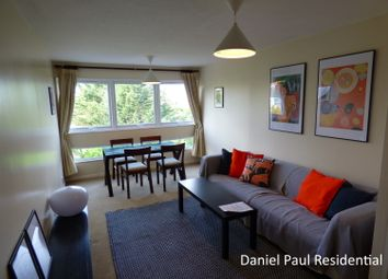 2 bed maisonette to rent in Fairlea Place, Ealing, London W5