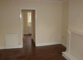 2 bed property to rent in Woodrow Avenue, Hayes, Middlesex UB4