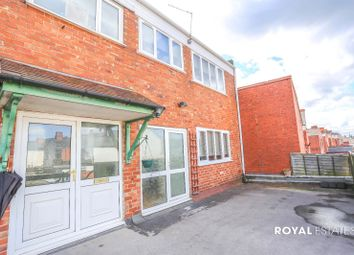 Thumbnail 3 bedroom flat to rent in Bearwood Road, Smethwick