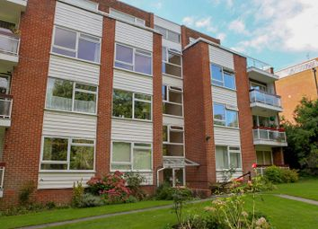 Thumbnail 1 bed flat to rent in Baronsmere Court, Manor Road, Barnet