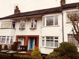 Thumbnail 3 bed maisonette for sale in Forest Side, London