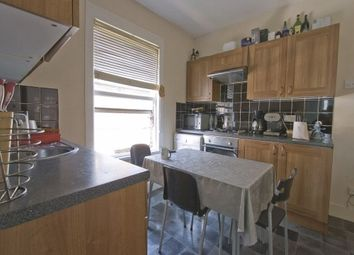 Thumbnail 3 bedroom flat to rent in Chewton Road, London