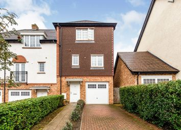 Thumbnail Town house for sale in Phoenix Drive, Letchworth Garden City