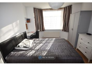Room to rent in Honeysuckle Road, Southampton SO16
