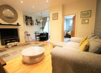 Thumbnail 2 bed flat for sale in Offley Road, Oval