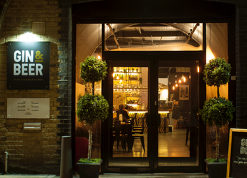 Thumbnail Pub/bar for sale in Resolution Way, London