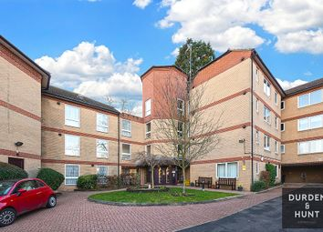 1 bed flat for sale in High Road, Loughton IG10