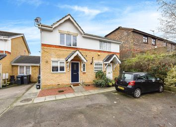2 bed semi-detached house to rent in Hamond Close, South Croydon CR2