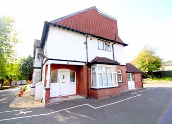 One Bedroom Flat On Nickmar Court, New Bedford Road, Luton LU3. 1 bed flat