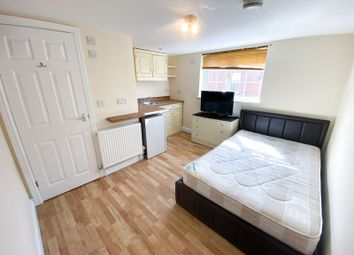 Thumbnail 1 bed flat to rent in Champion Road, Caversham, Reading