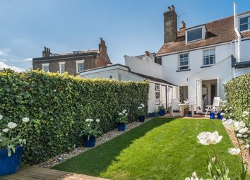 Thumbnail 3 bed cottage for sale in Castle Road, Cowes