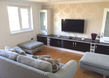 Thumbnail 2 bed flat to rent in New Street, Chelmsford
