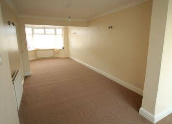 Thumbnail 3 bed property to rent in Carisbrooke Road, Luton