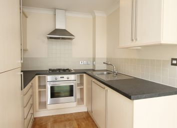 2 bed flat to rent in Queens Road, Weybridge KT13