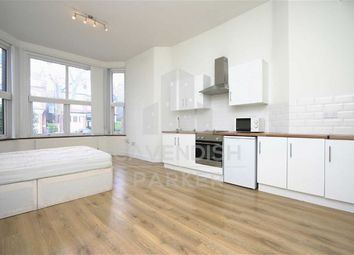 Thumbnail Property to rent in Princes Avenue, Muswell Hill, London