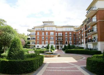 Thumbnail 1 bed flat to rent in Clevedon Road, East Twickenham