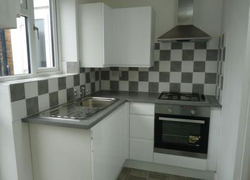 Thumbnail 3 bed flat to rent in Queen Street, Maidenhead