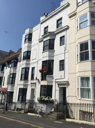 Thumbnail 1 bed flat to rent in Queen Square, Brighton