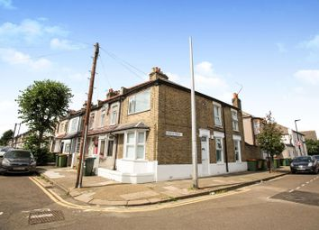 2 bed maisonette for sale in Exning Road, London E16
