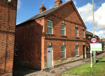 4 bed end terrace house for sale in Salisbury Road, Marlborough SN8