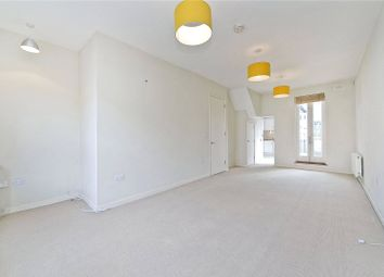 Thumbnail 2 bed flat to rent in Temple Street, Bethnal Green